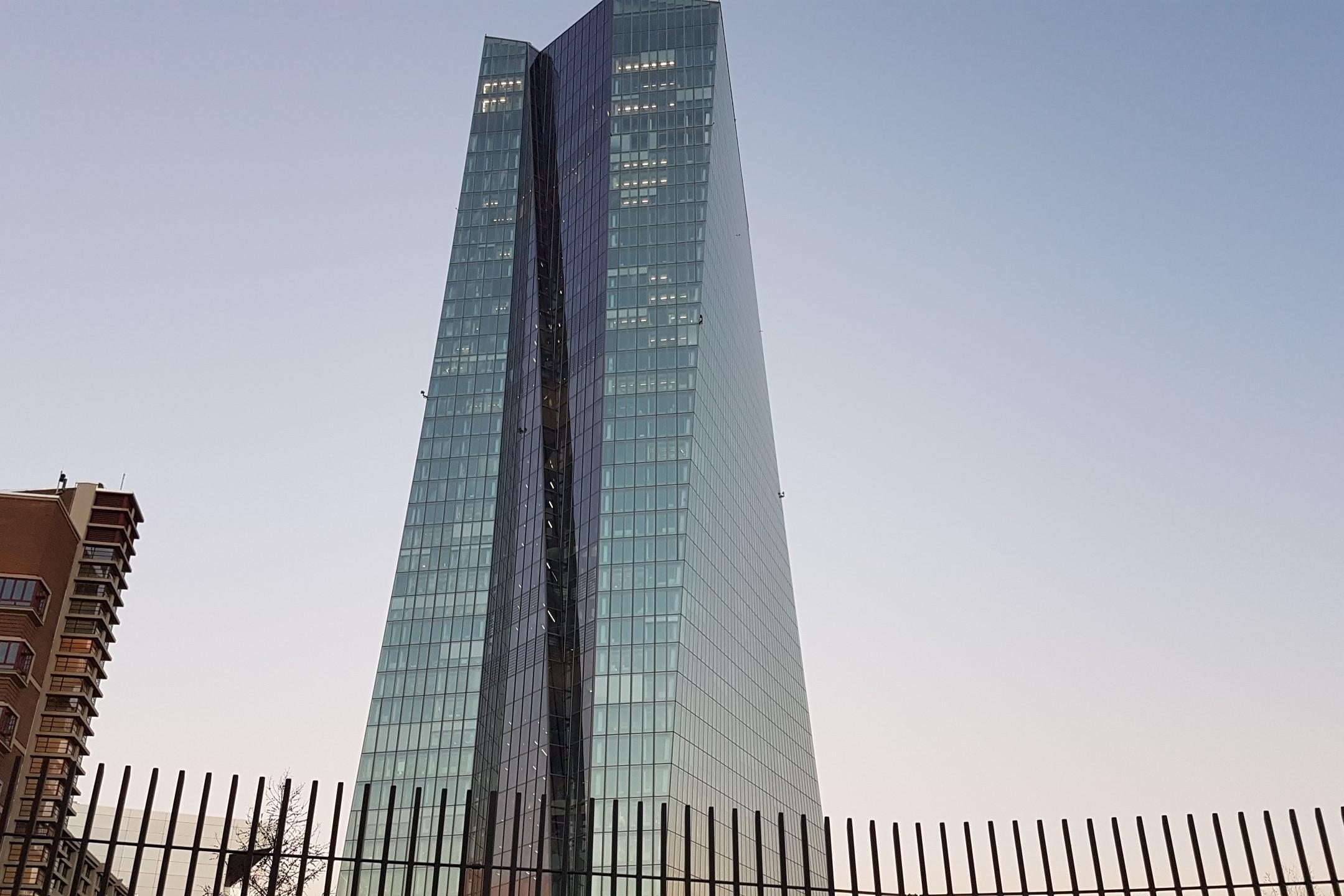 In Draghis Welt lebt man auf Pump