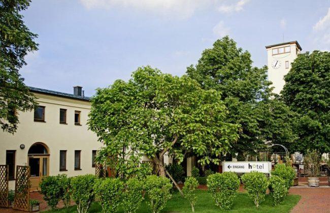 Friedrichshof, Eingangsbereich